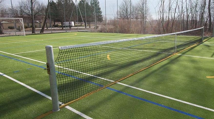 césped sintético tenis 8